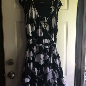 White House Black Market M Dress Stretch Faux Wrap